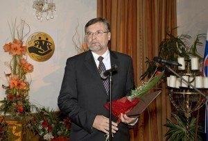doc. RNDr. Miloslav Hetteš CSc. (SME RODINA)